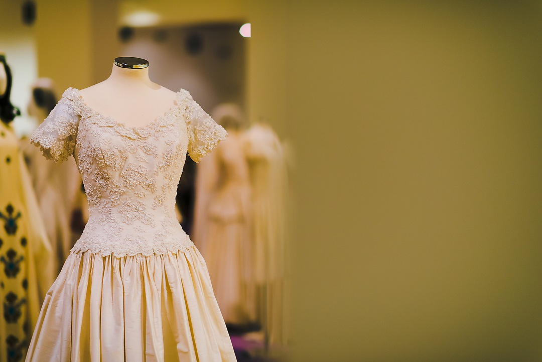 brides, fashion and tradition in Greece