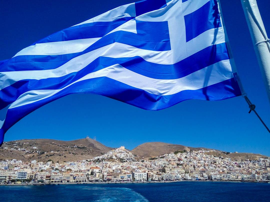 latrakia-syros island