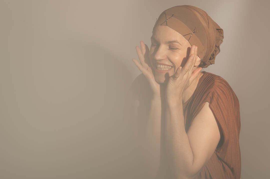latrakia women roles